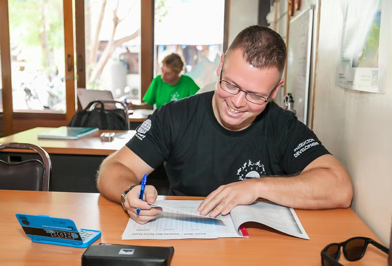 How To Prepare For The PADI Divemaster IDC Course