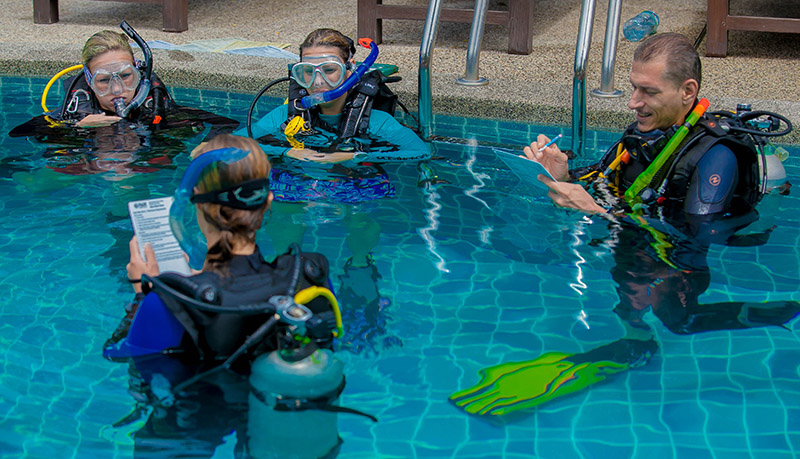 Becoming A Master Scuba Diving Instructor Confined Session