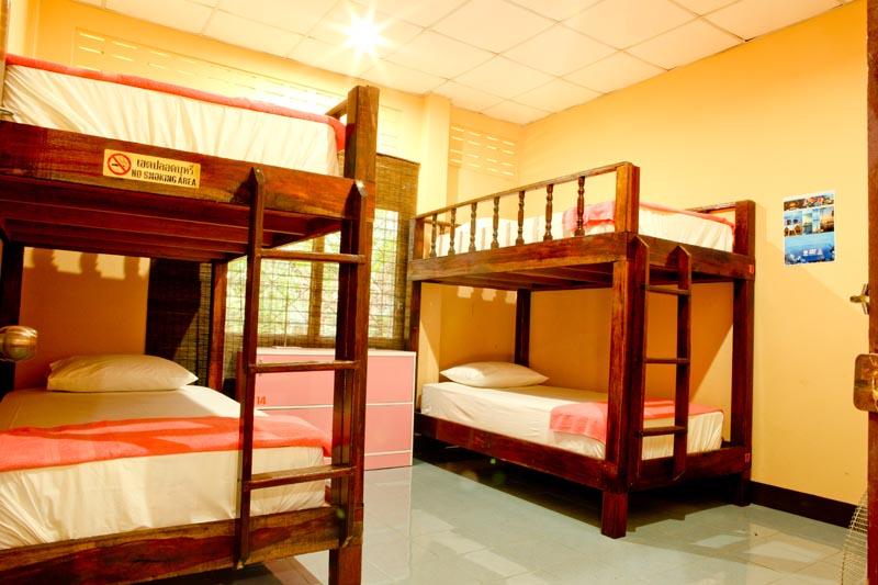 Free Dorm Accommodation Koh Tao Thailand