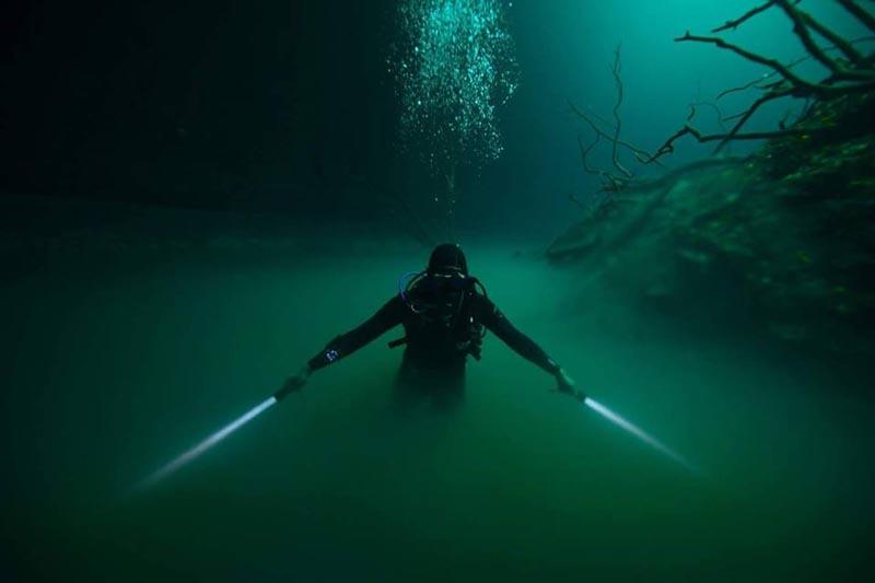 Night Dive MSDT Sairee IDC Koh Tao Thailand