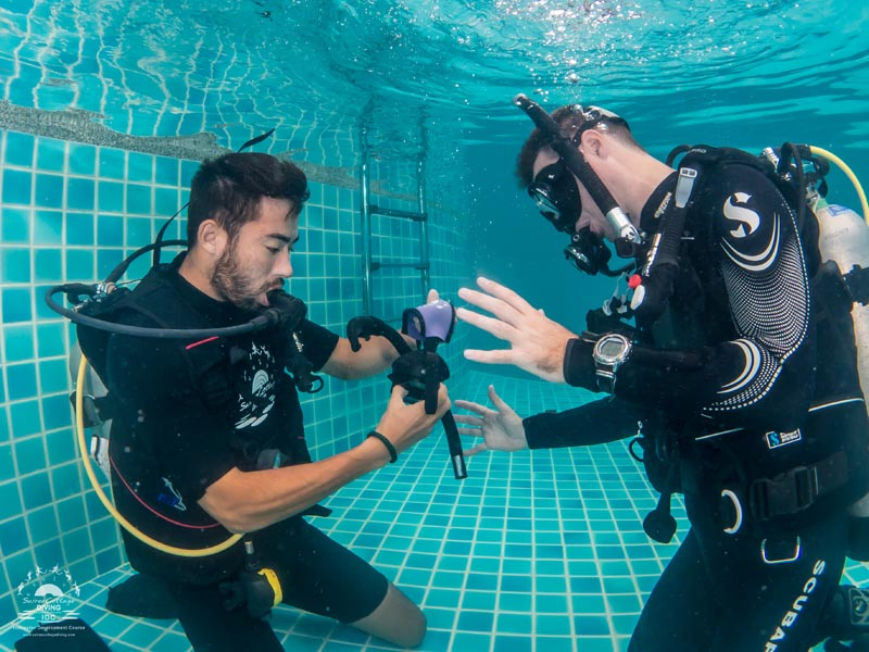 How To Teach The PADI Mask Removal And Replacement Skill